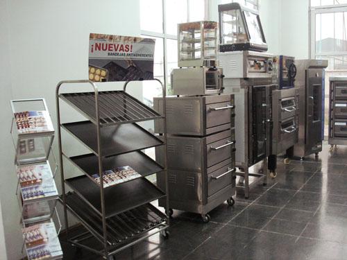 f_showroom.jpg